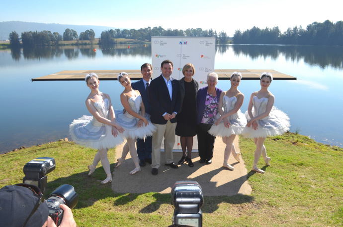 David McAllister, Stuart Ayres, Libby Christie and Councillor Jackie Greenow with Australian Ballet stars. Photo: Dale Drinkwater.