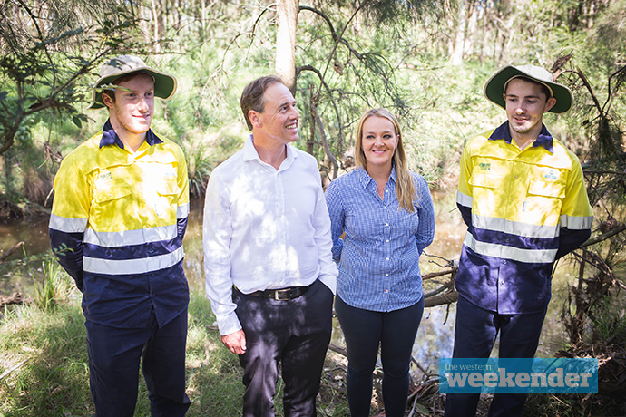 Greg Hunt, Fiona Scott and members of the Green Army. Photo: Megan Dunn
