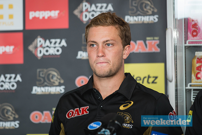 Panthers re-sign Moylan, Cartwright