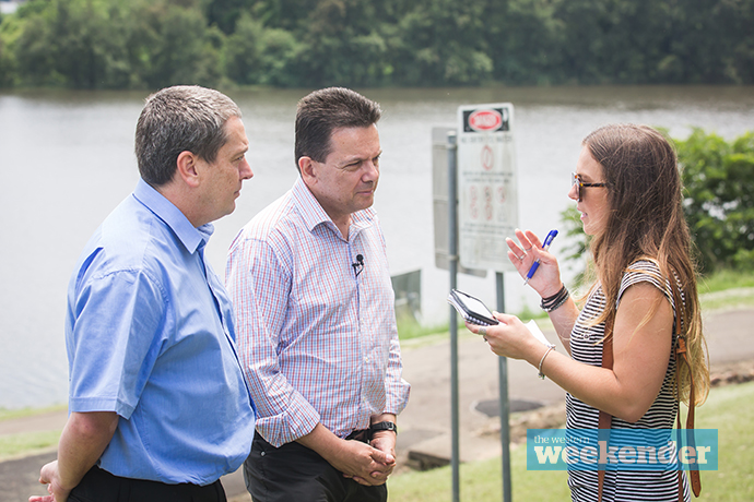 Stephen Lynch and Nick Xenophon speak with Weekender journalist Dale Drinkwater. Photo: Megan Dunn